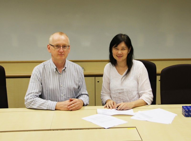 Dr Andrew Walker, Associate Dean (Education), ANU College of Asia and the Pacific and Prof Brenda Yeoh, Dean, FASS, NUS
