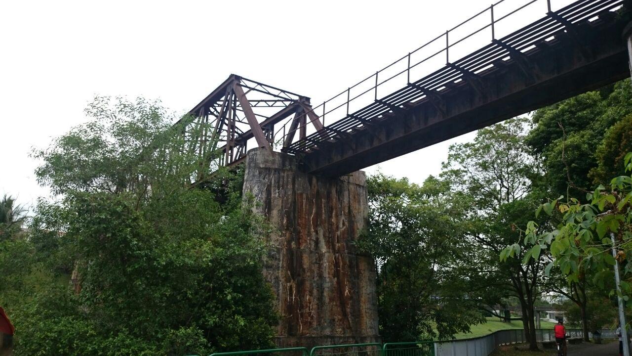 abandoned bridge ulu pandan