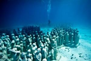 Silent-evolution-underwater-sculpture-jason-decaires-taylor