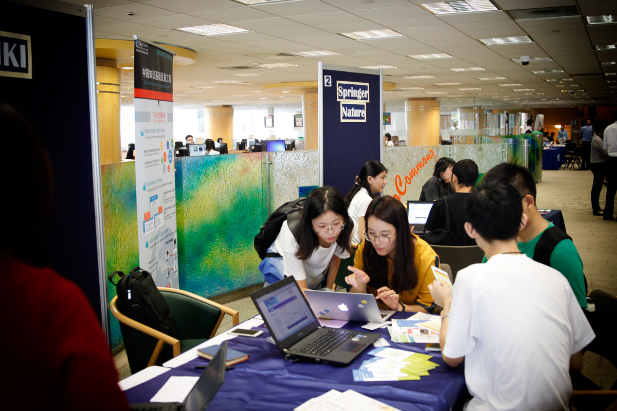 Up to 19 publishers set up open booths to demonstrate and showcase their tools and services.