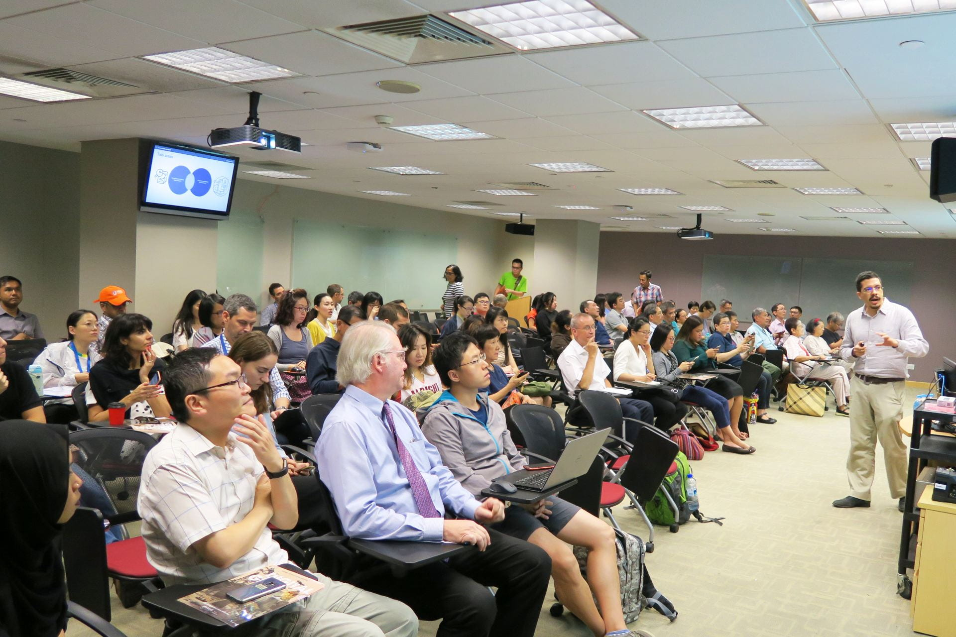 Full house in the Central Library Theatrette as our participants were engrossed in the presentations