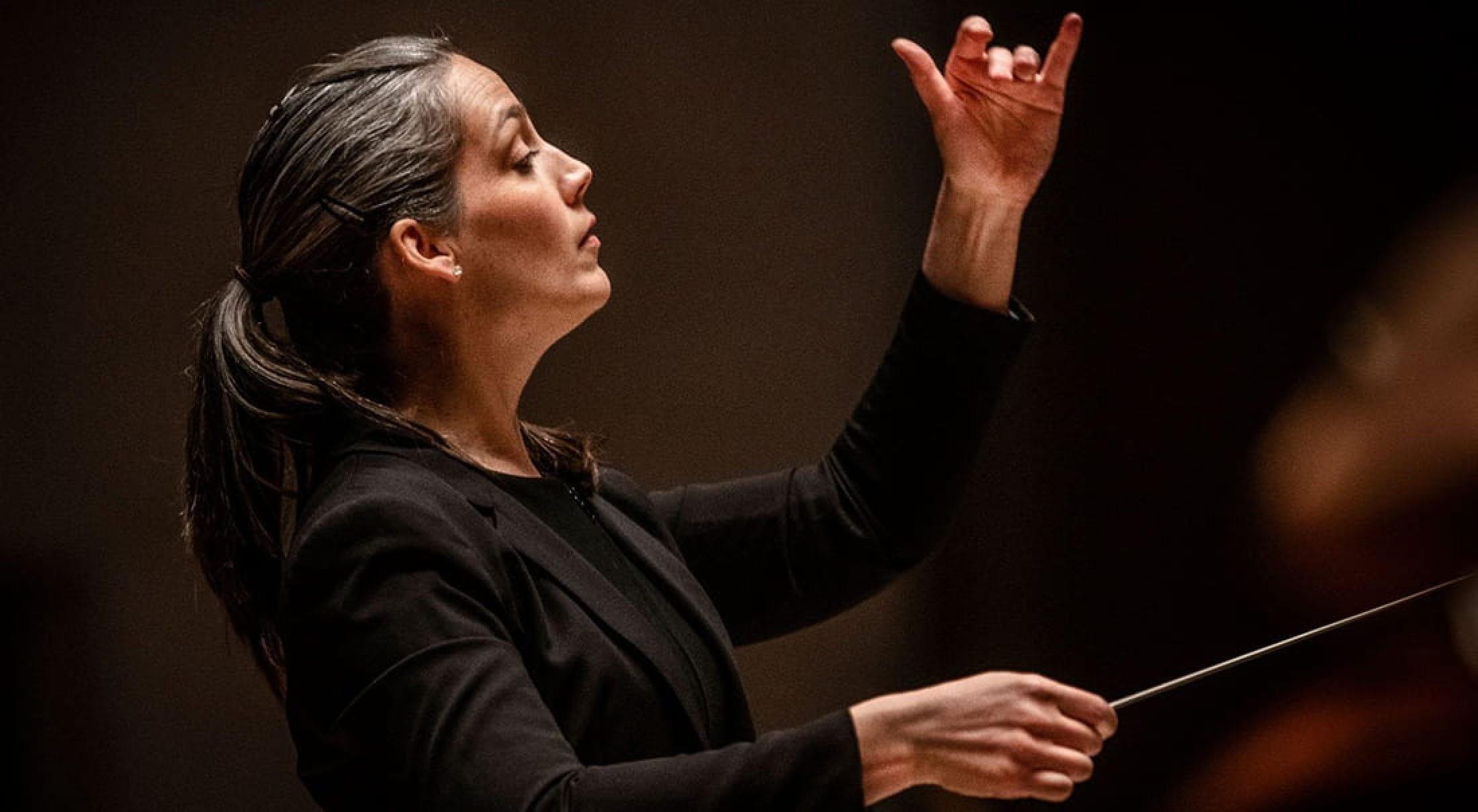 Conductor Michelle Merrill '06, '12