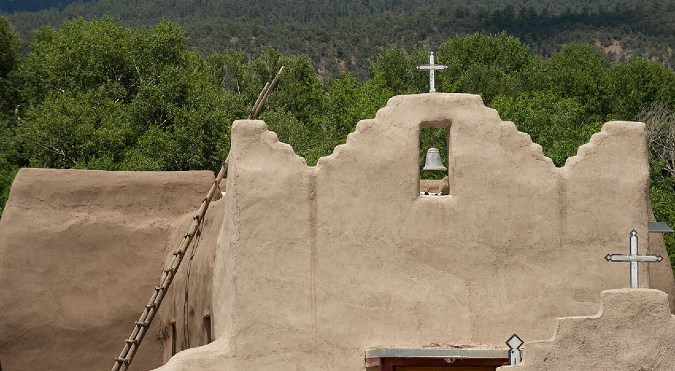November 20 auction will benefit SM-in-Taos.