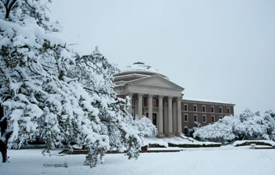 Snow day at Dallas Hall, SMU