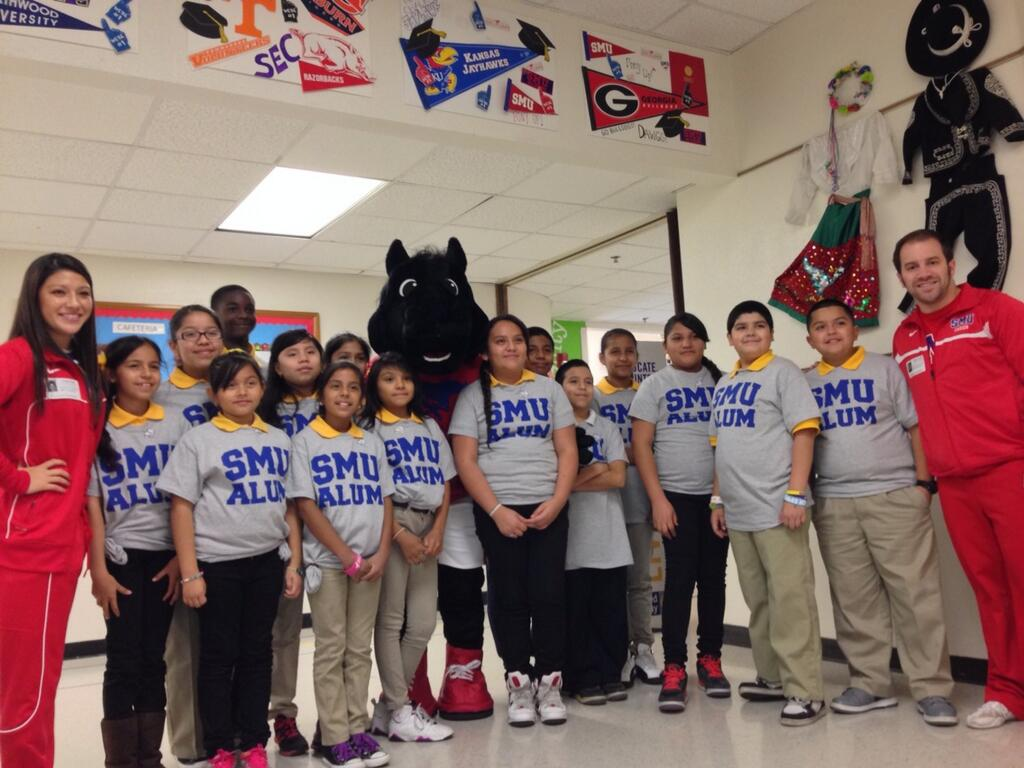Peruna and SMU cheerleaders at 2013 DISD Reading Day with the United Way