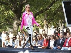 Fashion-Week-23347393