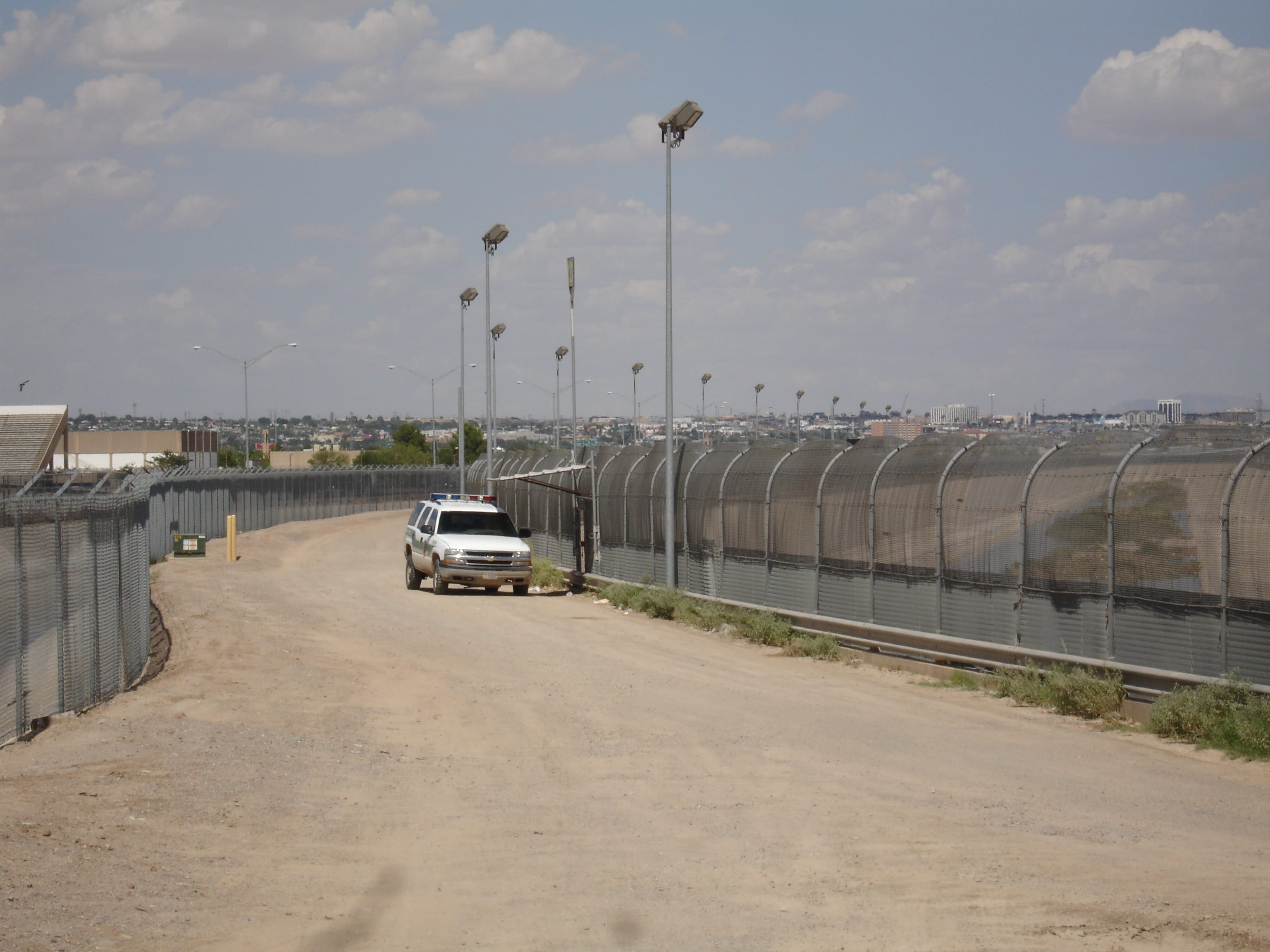 Faculty examine complex border issues