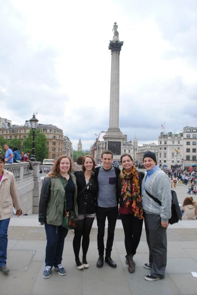 Theatre majors Jenna ('15), Becca ('16), Parker ('16), Stephanie ('15) and Ryan ('15) in Trafalgar Square.