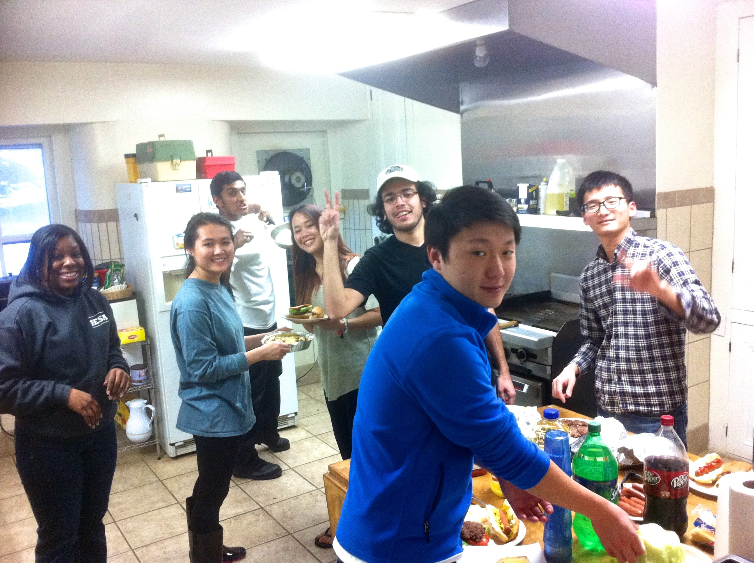 Best team ever - everyone giving a helping hand to make breakfast and dinner. best team ever.