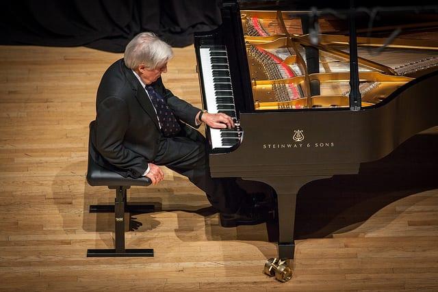 Watch this Stirring Tribute to World-Renowned Pianist Joaquín Achúcarro