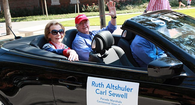 Homecoming parade marshals and Second Century Celebration Co-chairs Ruth Collins Sharp Altshuler '48 and Carl Sewell '66.