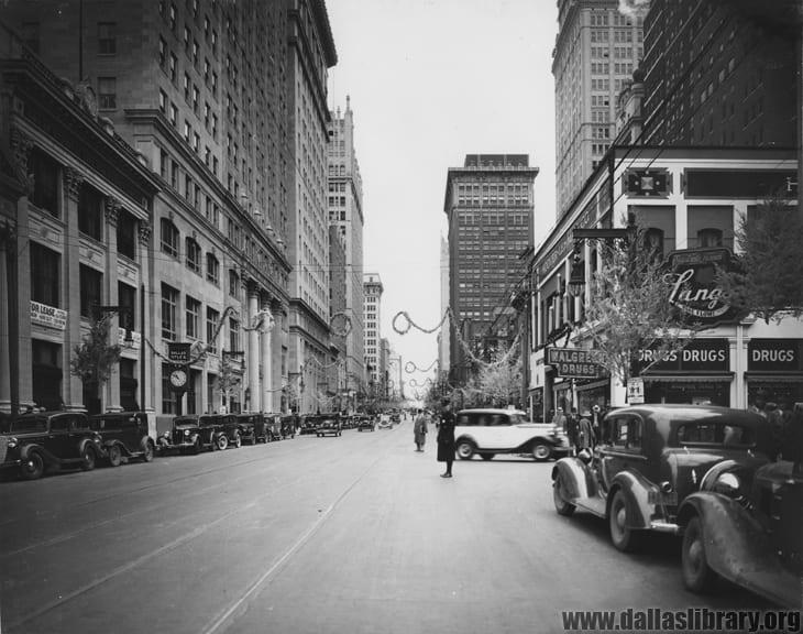 Looking east on Main Street, Dallas, 1932