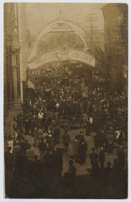 Post-lynching scene at Akard and Main, March 3, 1910
