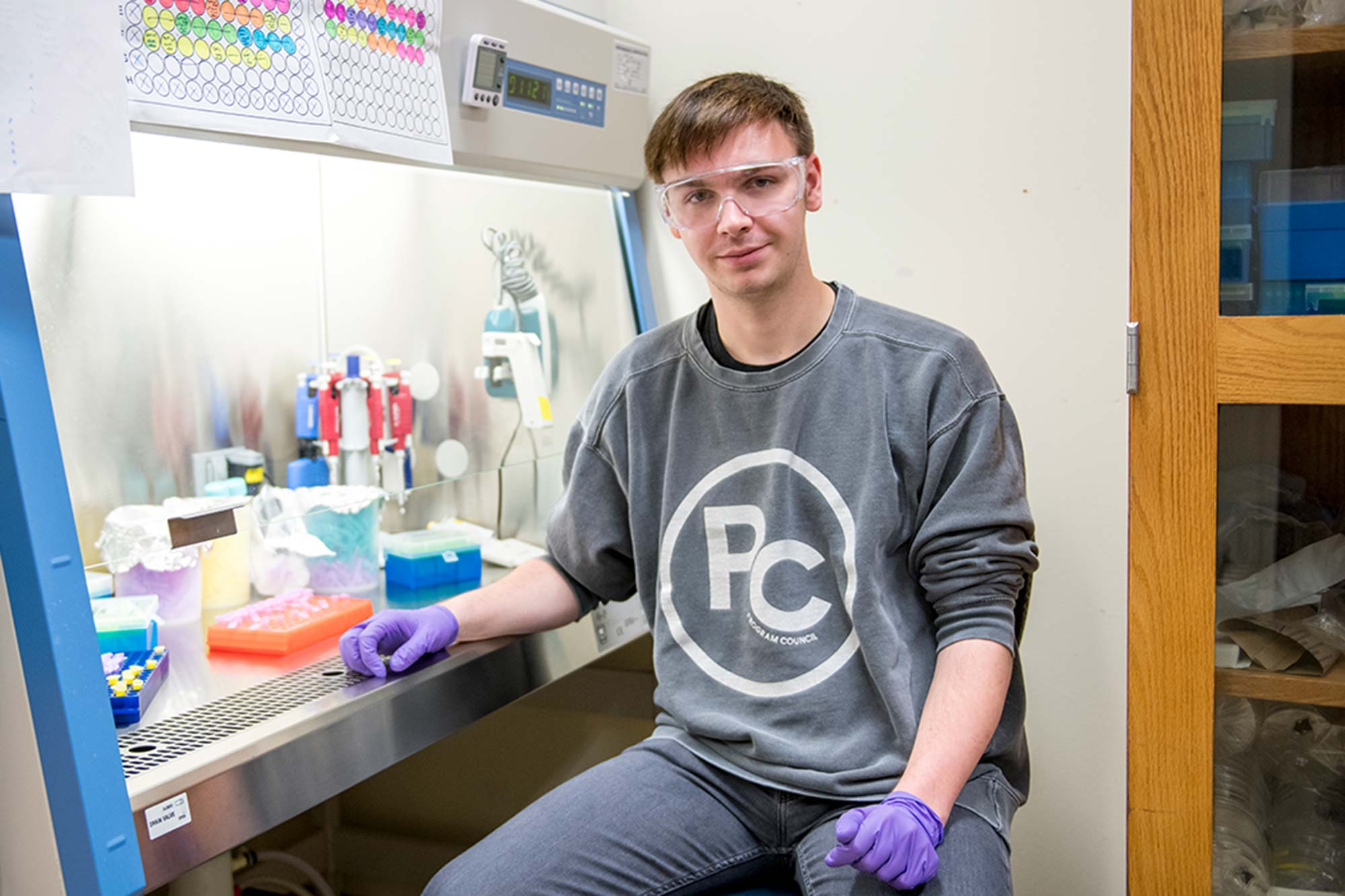 Blending science and the arts: Sam Weber '18