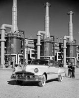 [1952 Pontiac Chieftain DeLuxe Catalina, Dow Chemical Plant, General Motors Corp.], by Robert Yarnall Richie