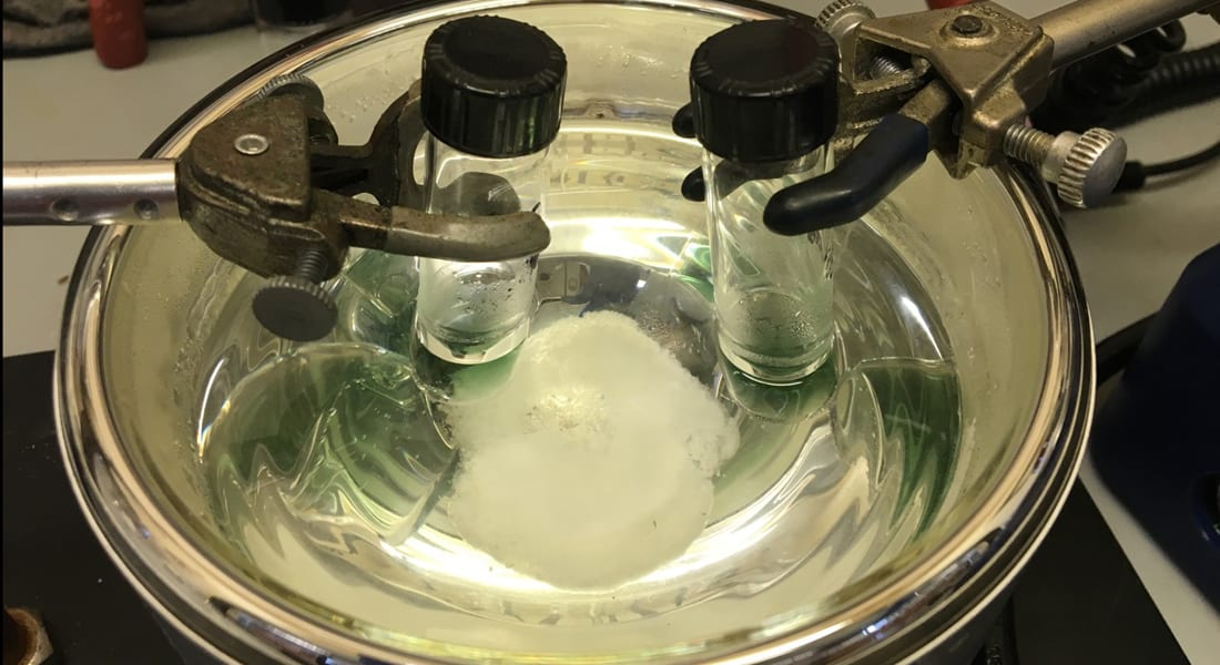 Green chemistry: Au naturel catalyst mimics nature to break tenacious carbon-hydrogen bond