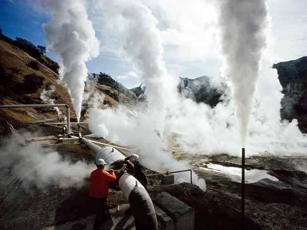 energy-geothermal-energy-california_Natl%20Geo.jpg