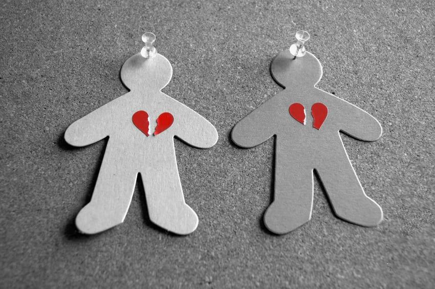iStock-paperdoll-hearts.jpg