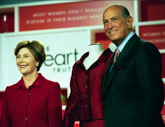 Laura-Bush-and-Oscar-De-La-Renta-340x260