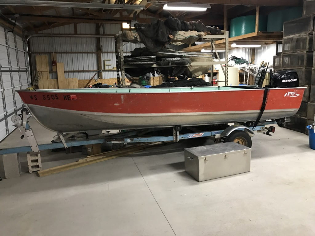16 foot Lund with 25 hp Mercury four stroke for small water bodies