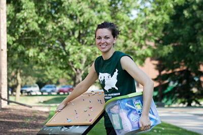 Home sweet home: Video has scenes from Move-in Day at UW-Green Bay
