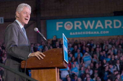 Former President Clinton speaks at UW-Green Bay