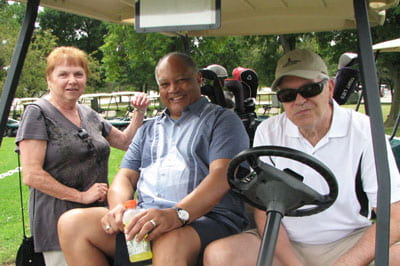 Giving back: Retirees tee up for scholarships