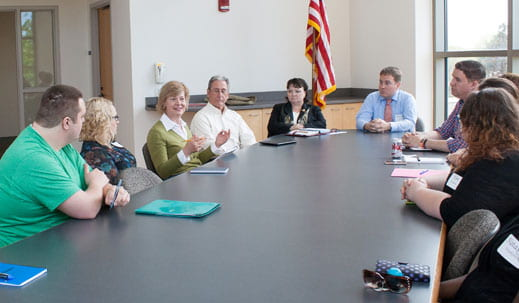 U.S. Senator Tammy Baldwin speaks with UW-Green Bay students and alumni about student debt
