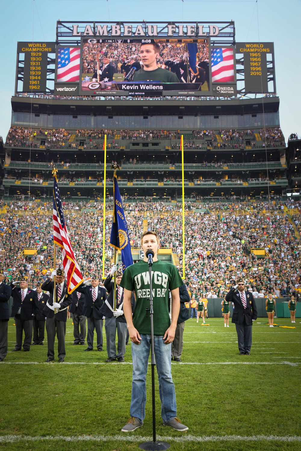 3 - Wellens Sings Anthem at Lambeau