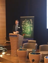 Aaron Weinschenk speaking in Berlin