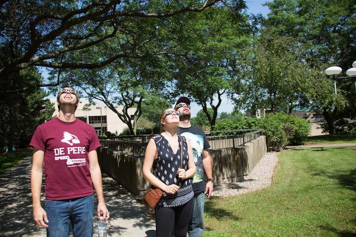 UWGB experiences eclipse