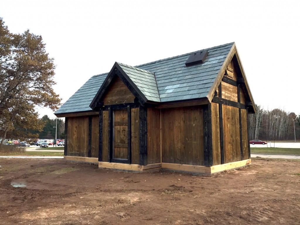 viking-house-adj