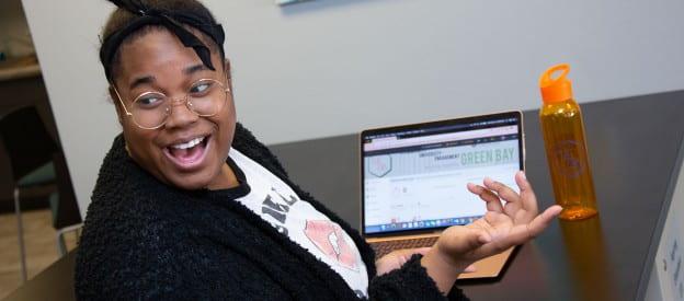 Student using CUE GB