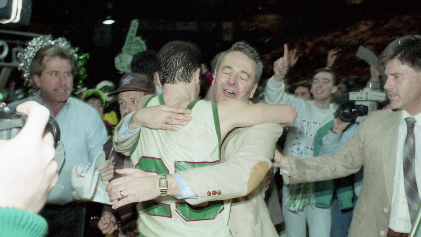 Father Dick Bennett embraces son Tony Bennet March 5, 1991