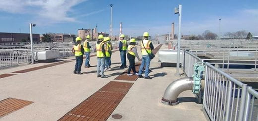 CSET students tour NEW Water