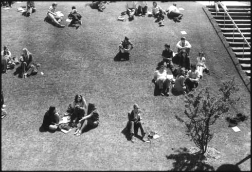 Photo memory 42 - Students on the lawn