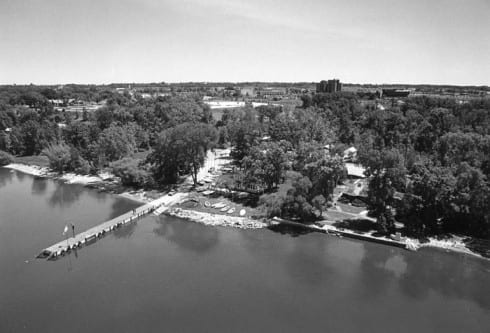 Photo memory 55 - Aerial view of campus from the Bay of Green Bay