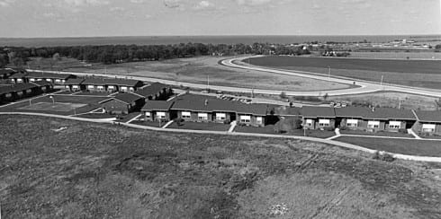 Photo memory 67 - Aerial photo of the Bay Apartments  c. 1975
