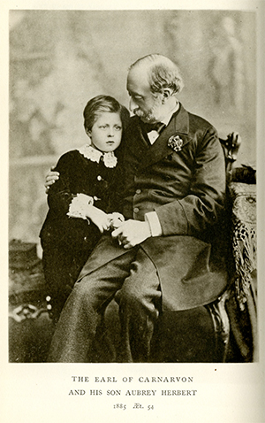 A photo of Lord Carnarvon and his son, Aubrey Herbert Carnarvon