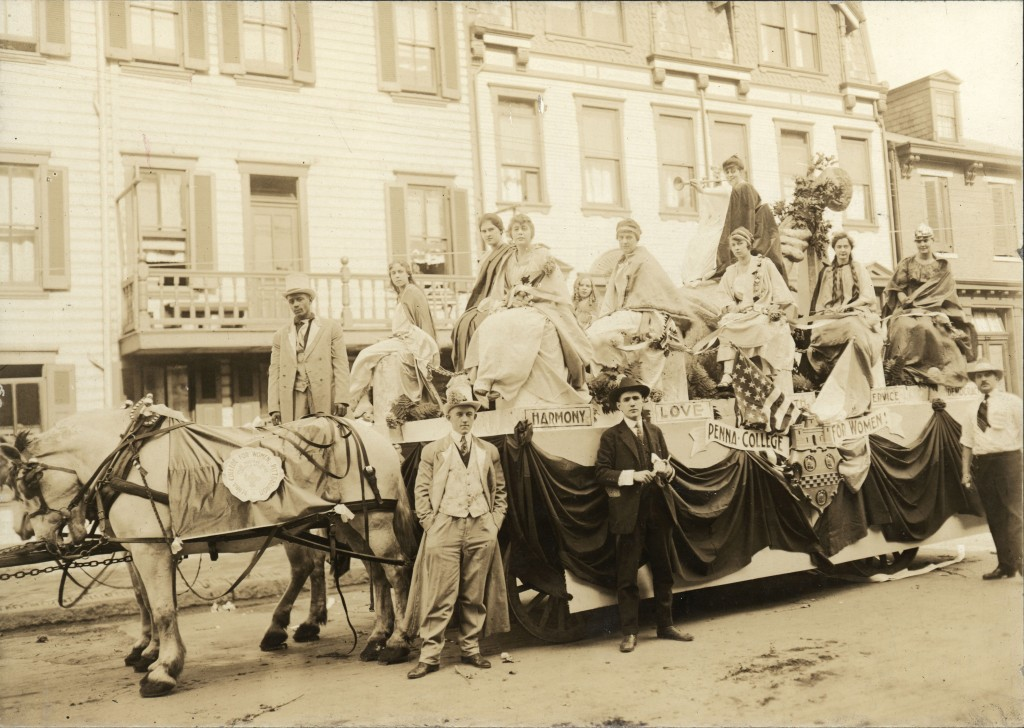 Pennsylvania College for Women float in support of women's right to vote, 1914