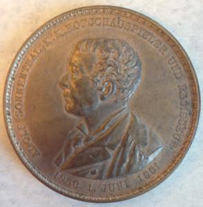 Adolf von Sonnenthal medal front