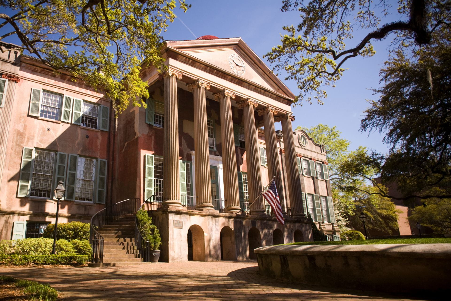Graduate Students, Faculty, & Alumni Featured in College of Charleston Magazine
