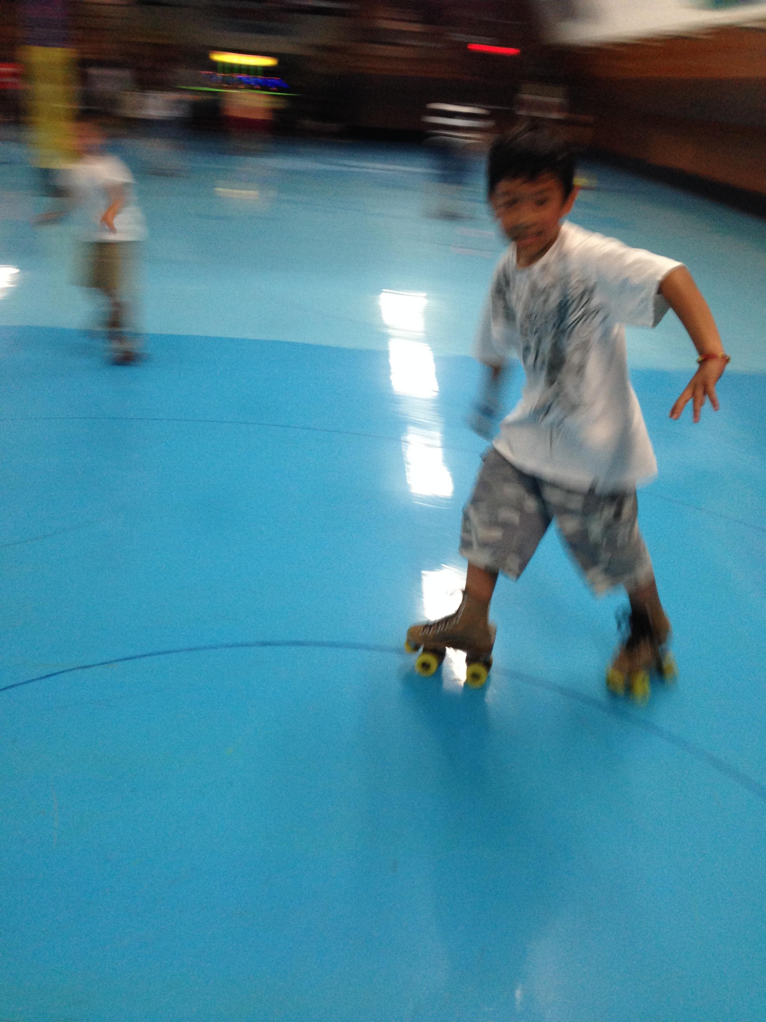 Roller skating elk grove - Img_0961