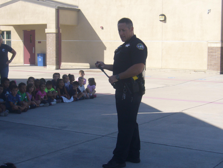 police officer visit mrs mullican u0027s first grade