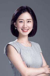 Stephanie Wang headshot