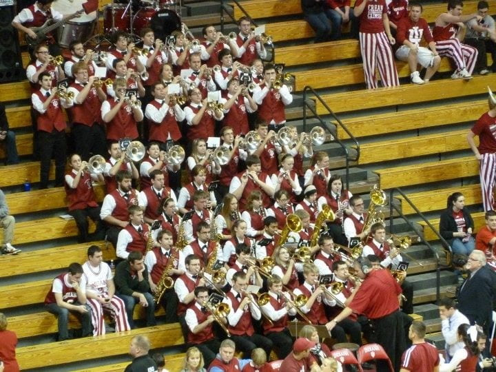 band plays in stands