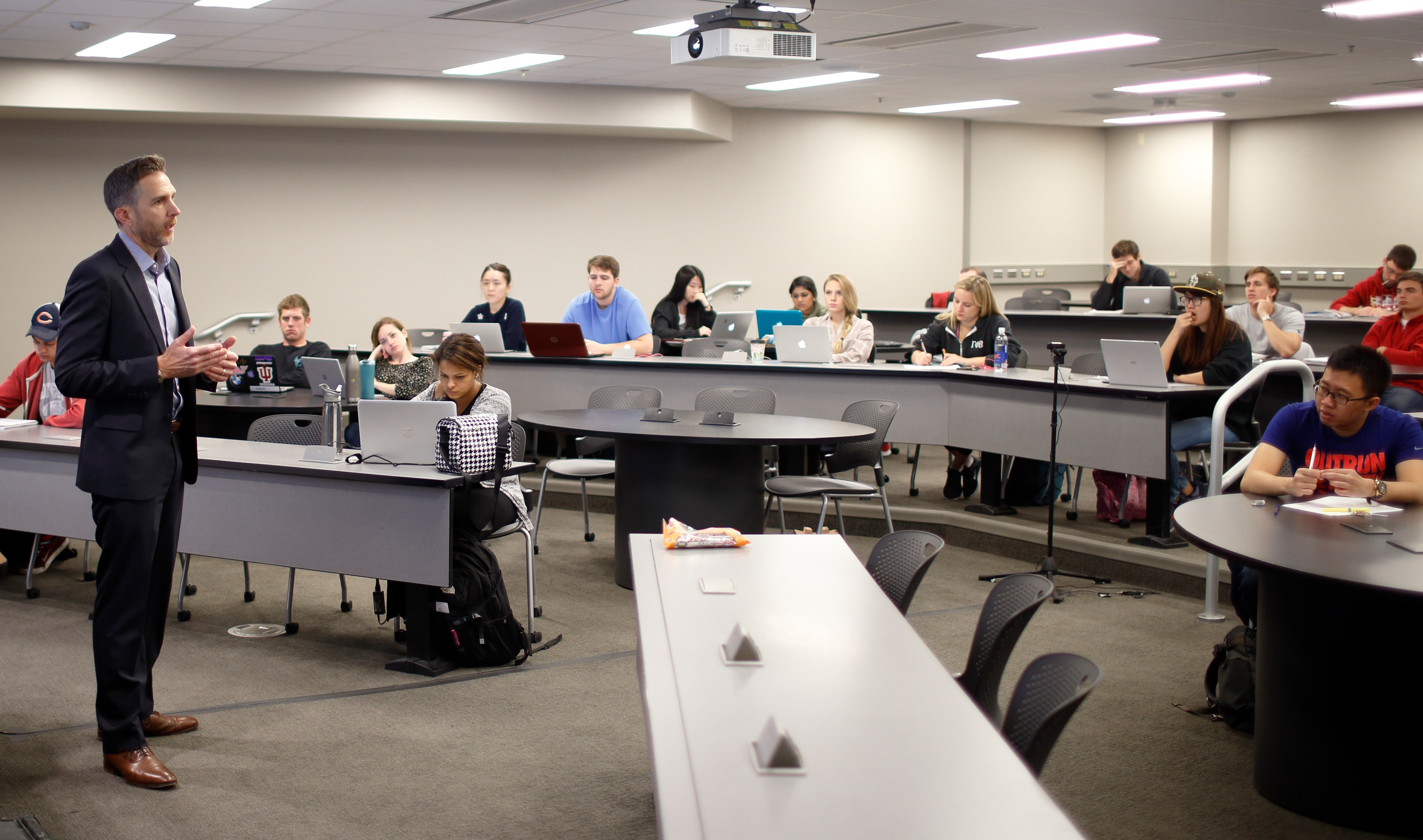 Classroom photo of Gerry Hays, who teaches finance and entrepreneurship at Kelley, taken on Monday, Oct. 31, 2016.
