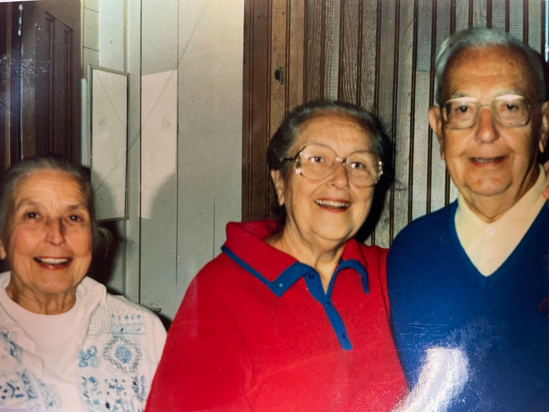 Generation 3: Charlotte Hash, Ruth & Brose Sputh