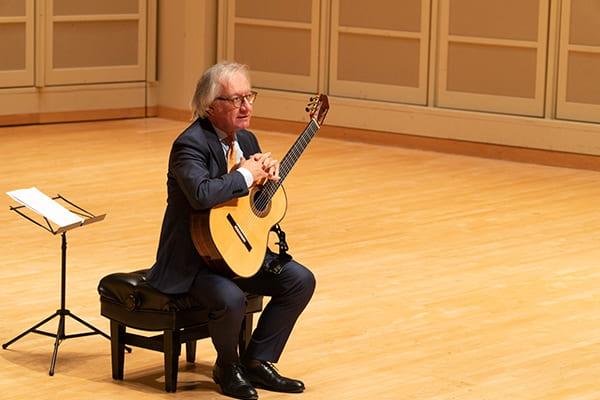 Concert by Alvaro Pierri