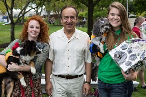 Chancellor Nasser H. Paydar in 2015 enjoyed his first regatta in his new role. He judged the dog costume contest, and was able to congratulate the contestants who took second and third. PHOTO BY LIZ KAYE/IU COMMUNICATIONS